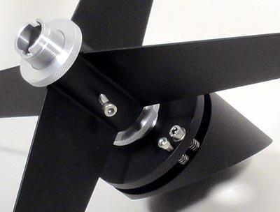 """TS 16"""" f/4.5 Newton ONTC con tubo in fibra di carbonio e focheggiatore a scelta"""